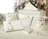 Ivory 6 Piece Wedding Set
